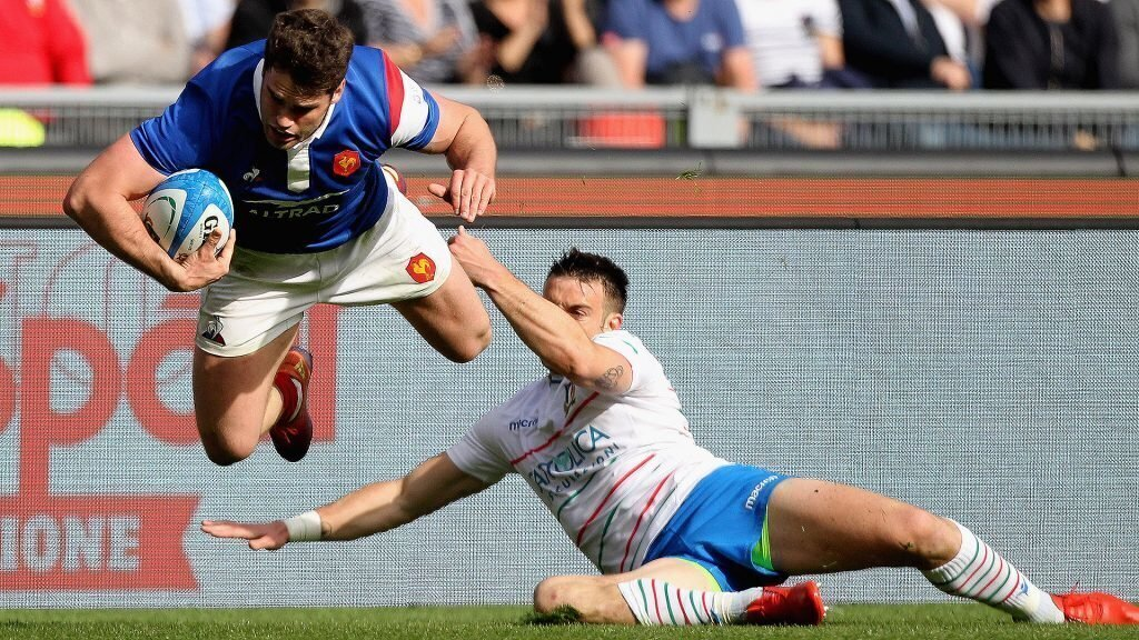 France suffers injury setback ahead Le Crunch