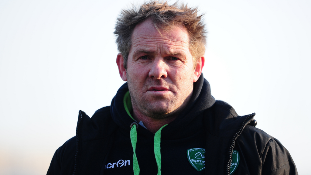Former All Black Mannix quits as Pau manager