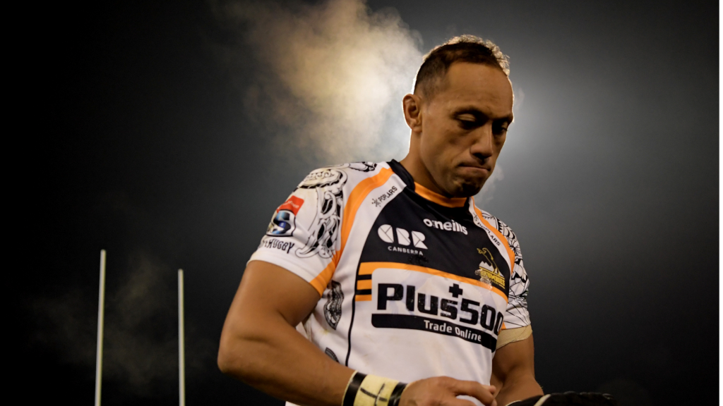 How Lealiifano is 'helping' the Brumbies again