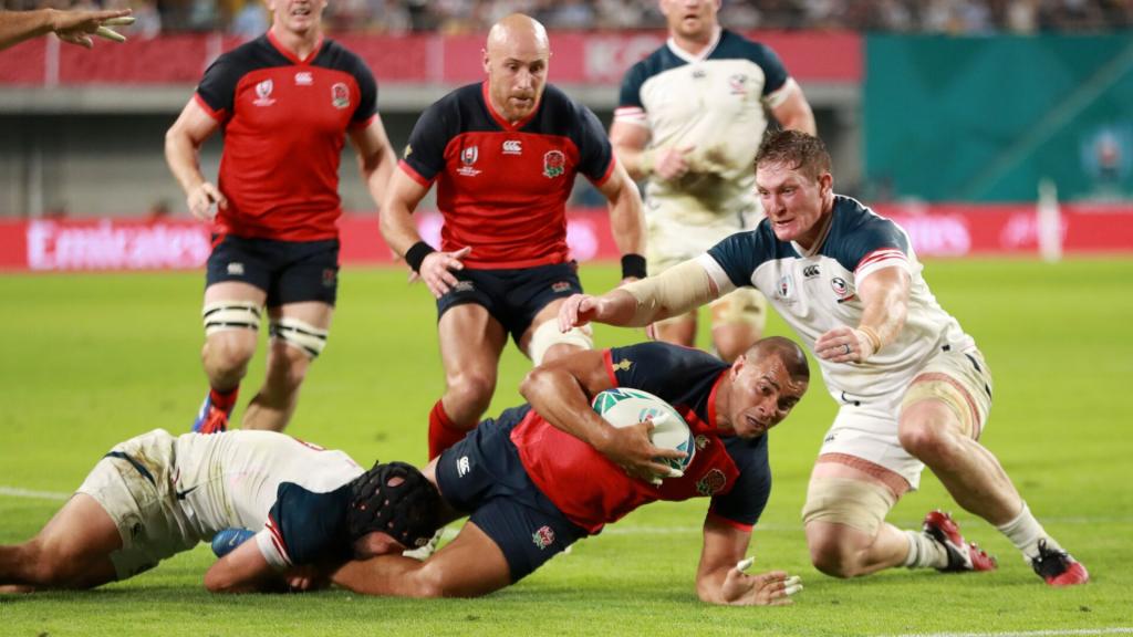 England ease past USA