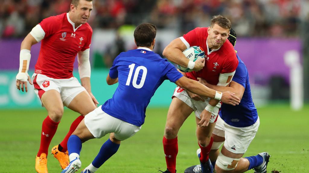 Wales edge 14-man France in quarterfinal cliffhanger