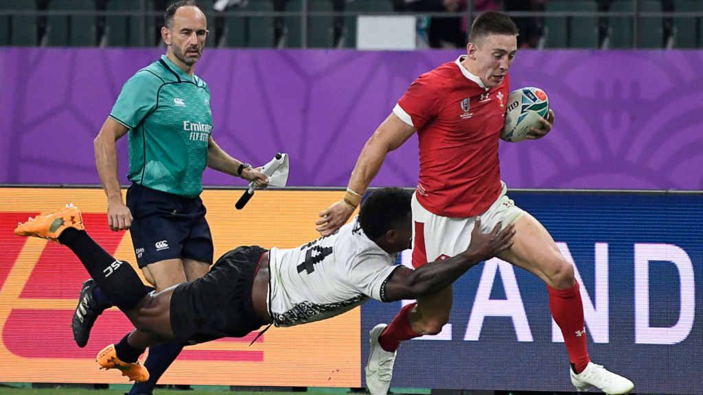 Wales survive Fiji's onslaught
