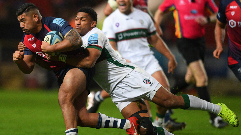 Bears and Exiles share the spoils