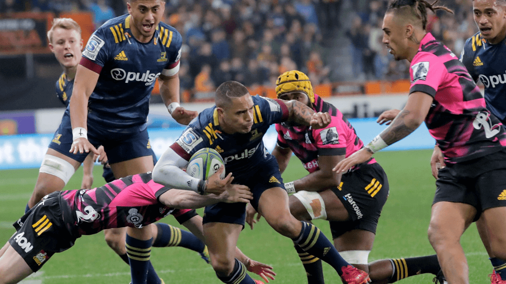 Highlanders prevail as Gatland sinks his dad's Chiefs
