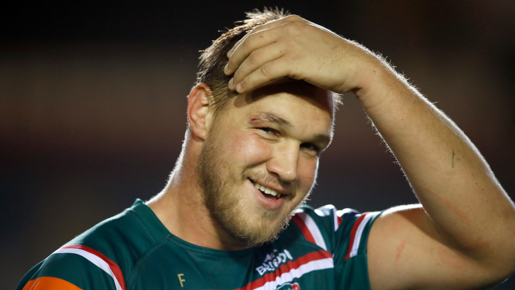 Former Bull signs Premiership deal amid wage cuts