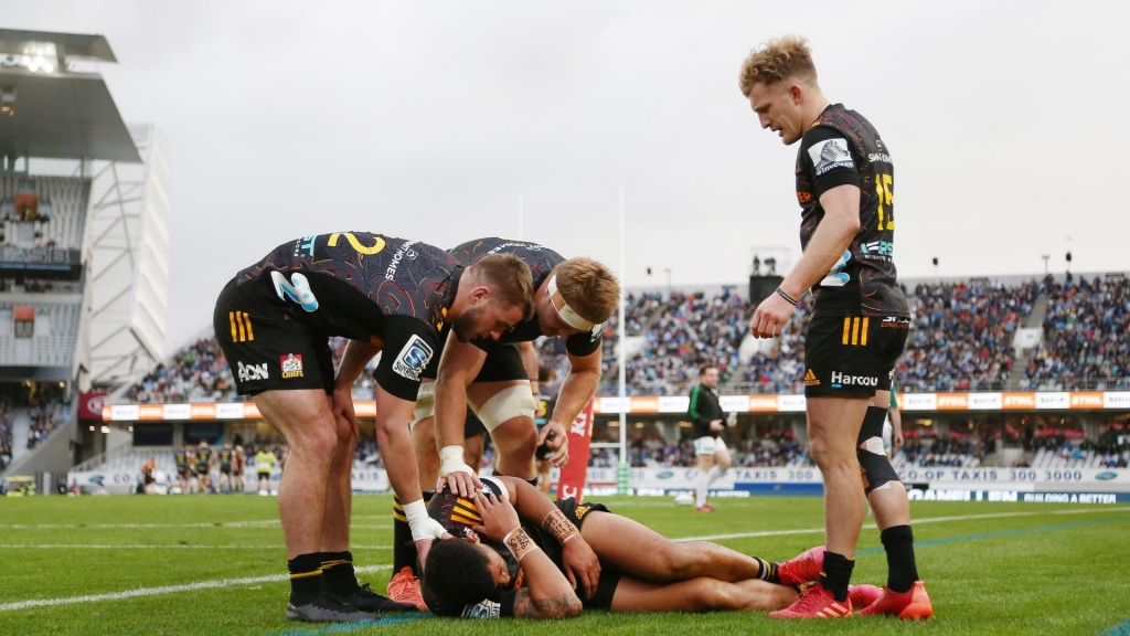 Winless Chiefs handed another setback