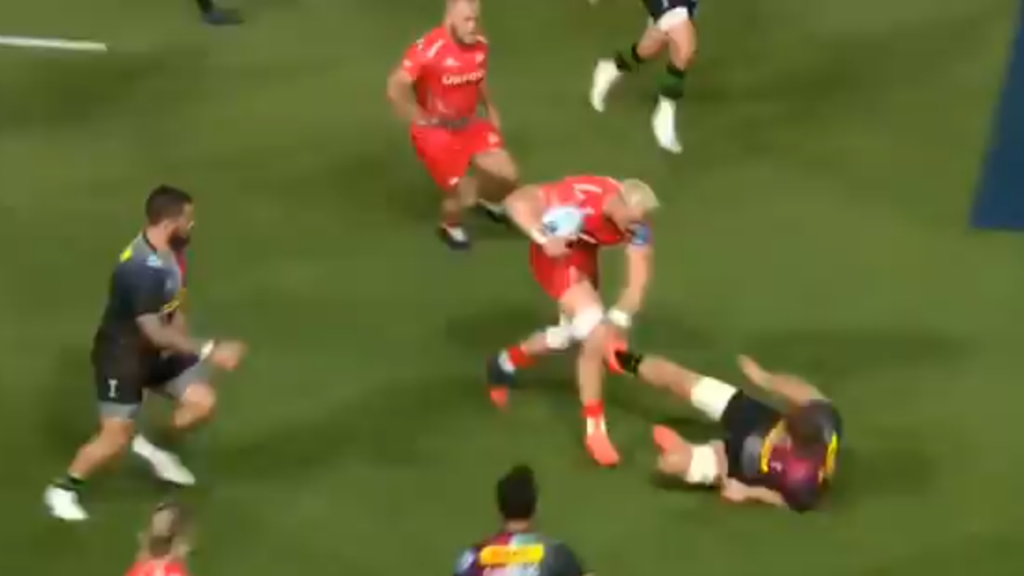 VIDEO: Jean-Luc du Preez's brutal hand-off