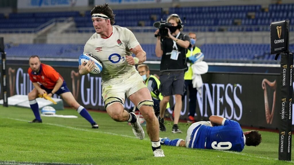 England secure bonus-point win in Italy