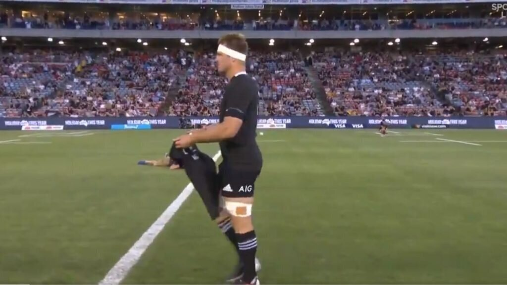 VIDEO: All Blacks pay tribute to Maradona