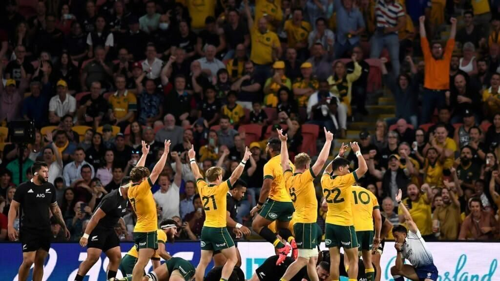 Wallaby lock to return to Australia from France