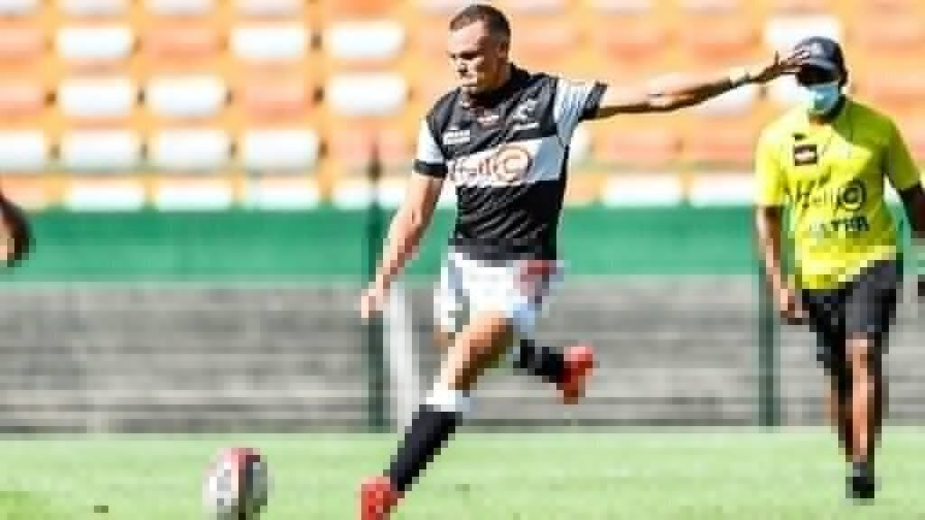 Sharks bank on Curwin to punish Bulls in Final