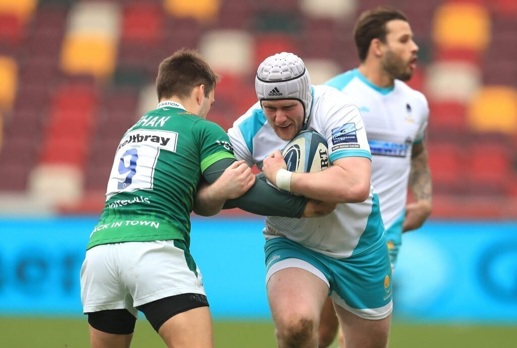 Exiles dig deep for crucial win