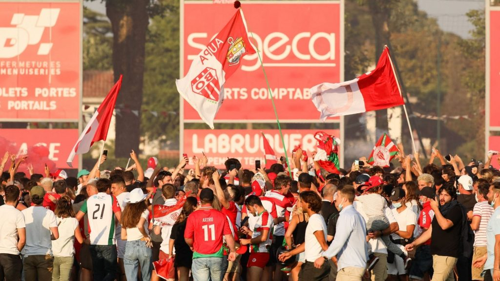 French club risks sanctions after pitch invasion