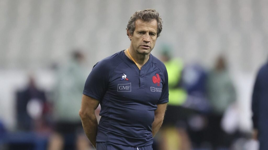 Injury forces France coach's hand