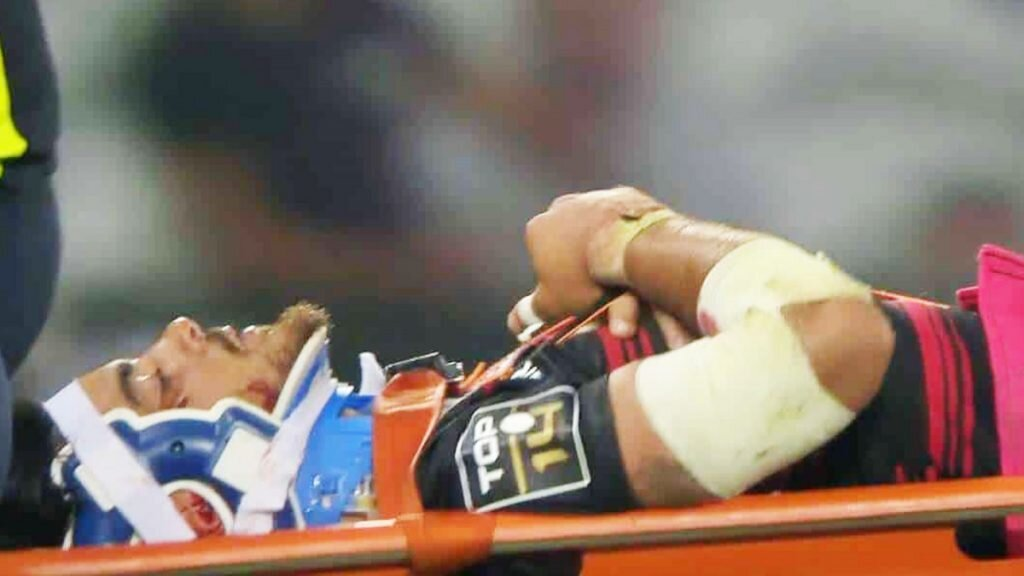 VIDEO: Ntamack stretchered off as Toulouse advance to Top 14 final