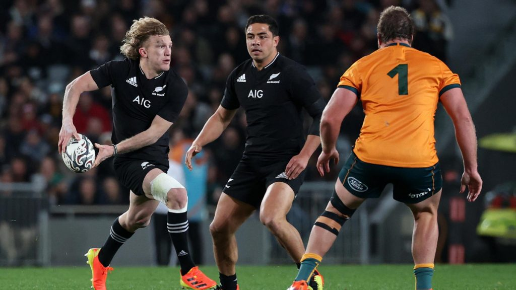 REPORT: All Blacks lose another playmaker to Japan