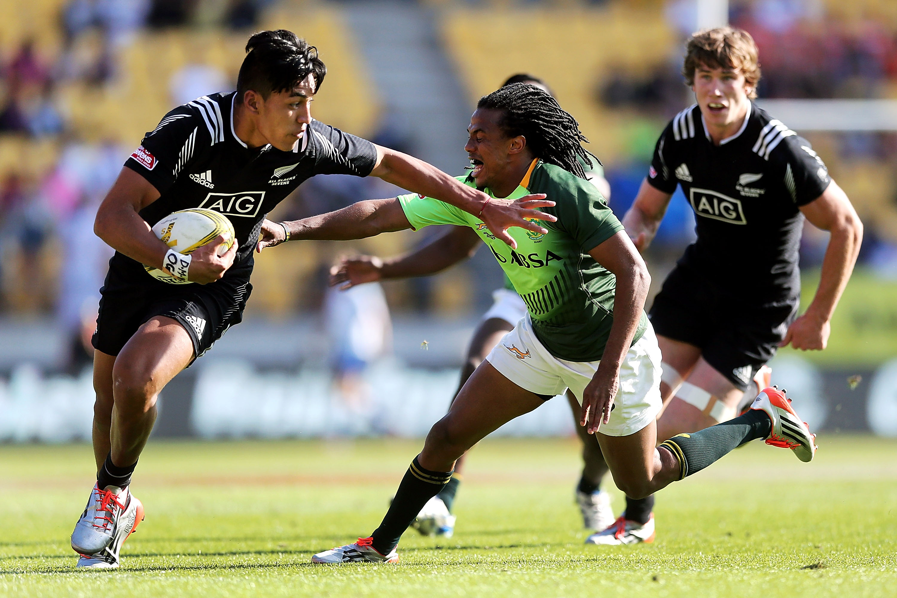 Blues snap up NZ Sevens brothers