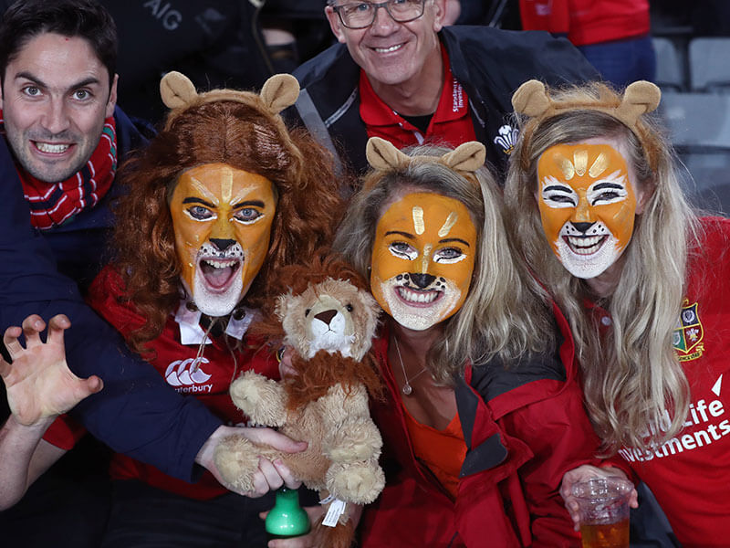Lions rugby fans invade NZ ready to paint the town red